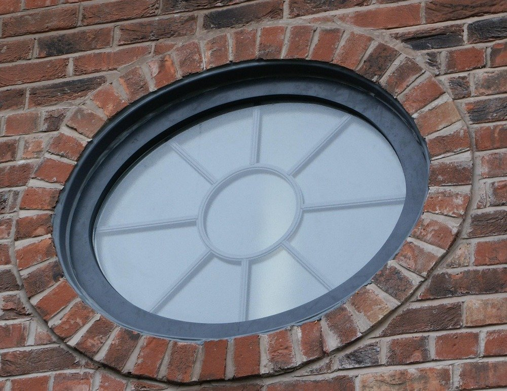 Tg_st_davids_school_-_round_window