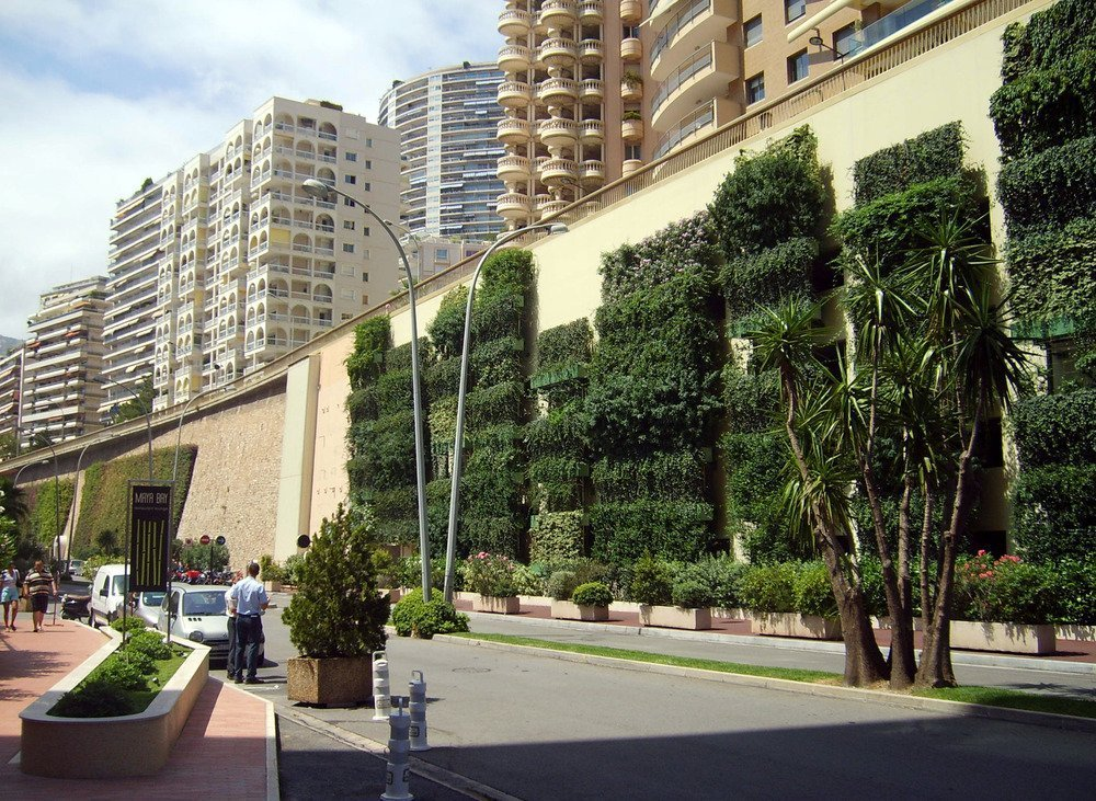 Living Walls - A Realistic Solution to UK PM10 Problem