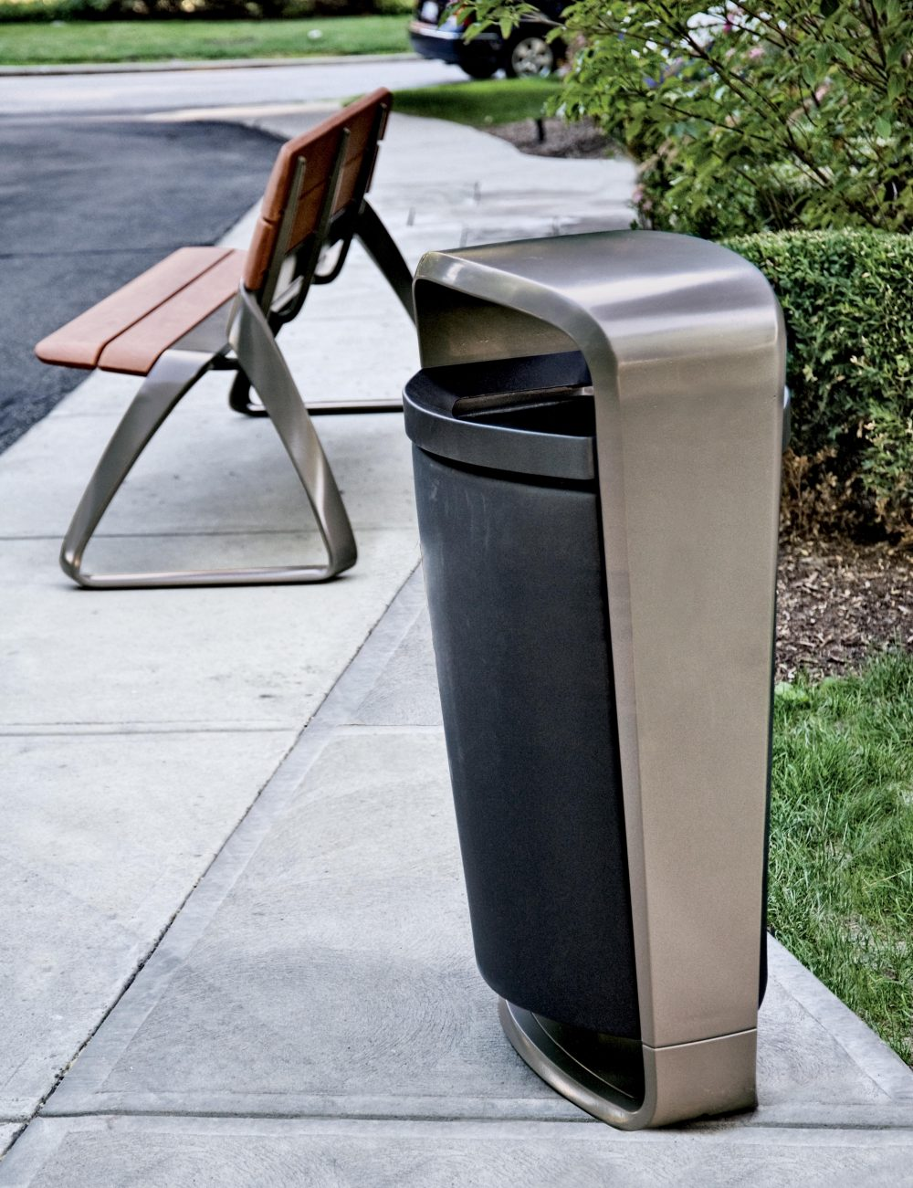 Metro 40 bin and bench