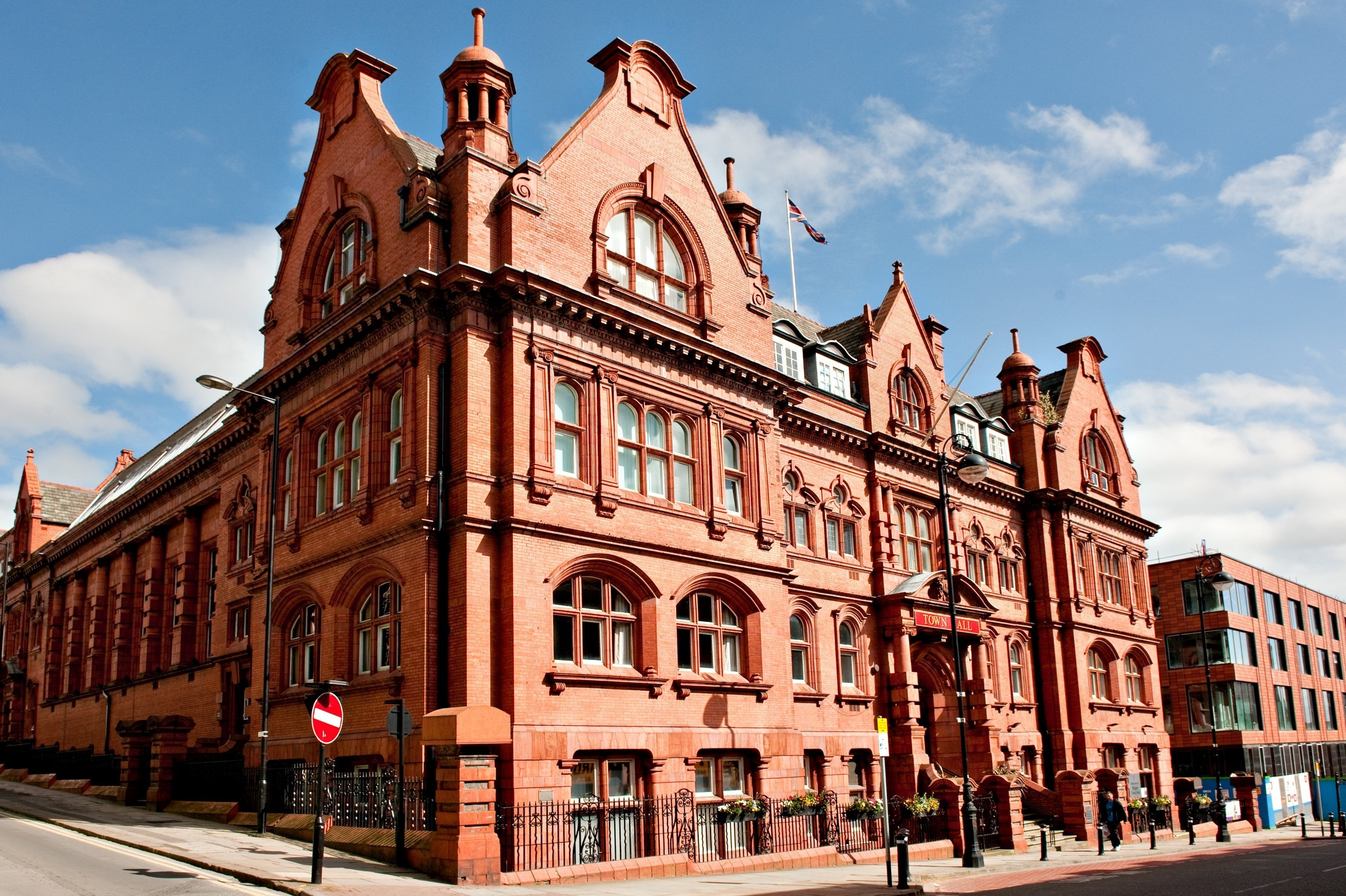 Potterton Commmercial boilers show major energy savings following refurbishment of Wigan Town Hall's heating system