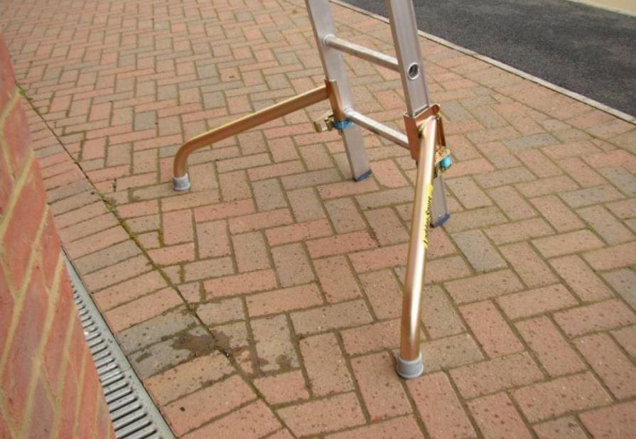 Easi-Dec ladder safety