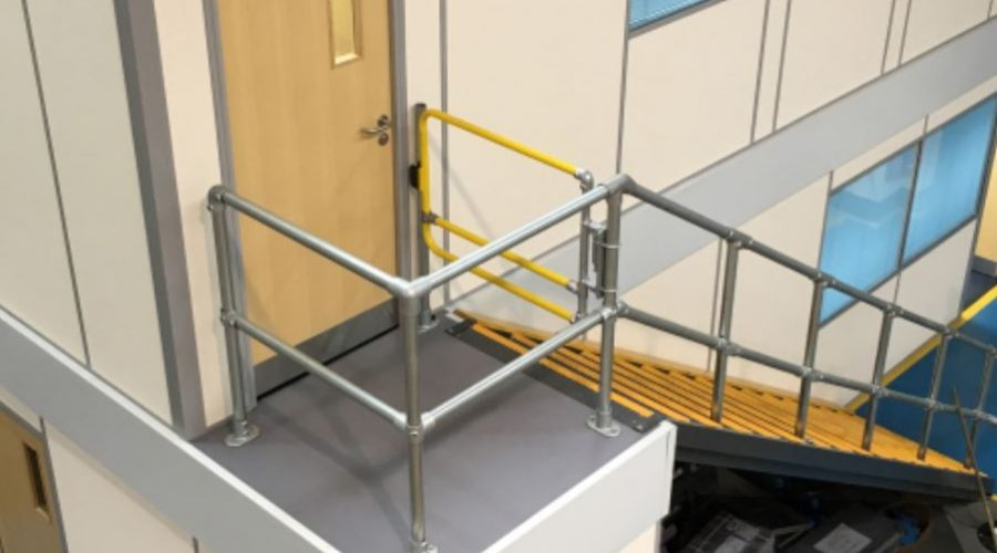 Industrial safety gates: which is best for you? 4