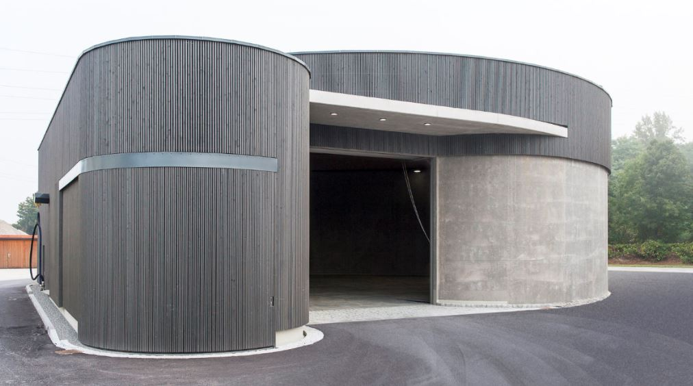 Optimising garage aesthetics and space with side sliding façade doors