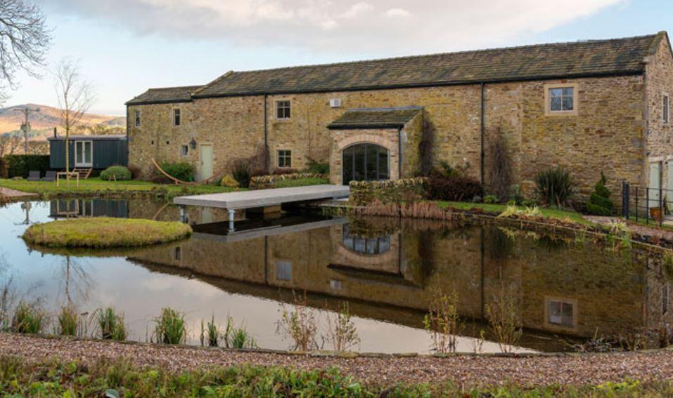 The Pool House - The Main Company