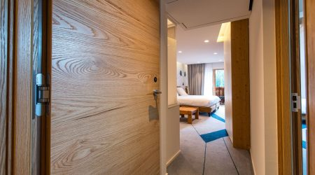Best Western Hotel gets close to nature with Vicaima Heritage Oak